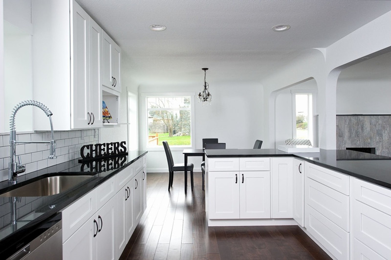 how to clean black quartz countertops